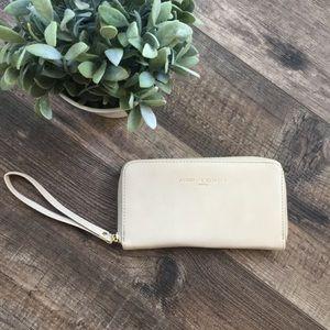 Adrienne Vittadini Charging Wallet Wristlet
